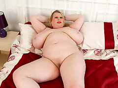 Big titted BBW Samantha Sanders paws her fanny
