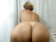 Latin Mommy with a Huge ass