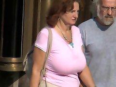 Tres maduras con hermosos senos
