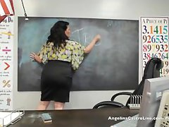Big Titted Angelina Castro in der Klasse FootJob 101