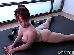 Naked Fit Yoga Instructor Plays With Her Butt-hole