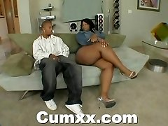 Chunky ass black making out with electro-hitachi and