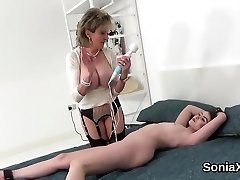 Unfaithful uk milf gill ellis showcases her phat balloons1