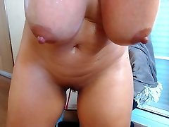 Busty wife bounce her very big boobs while draining