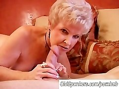 Gorgeous cougar bj's cock and eats cum