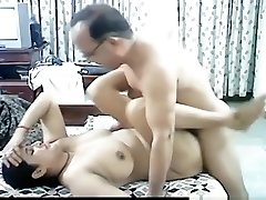 Mature arab couple makes a sextape in missionary position with internal cumshot