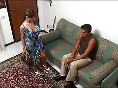 Italian busty HOUSEWIFE in a super-hot threesome... F70