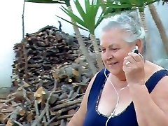 BBW italian Grandma Calls Grandpa to nail