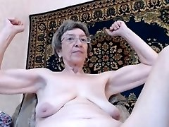 old grandma with floppy tits flexes on cam