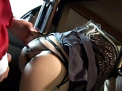 2 dudes drill cab driver and her blonde passenger