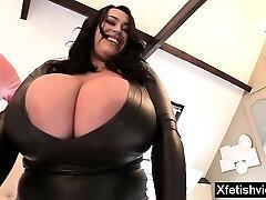 Big tits pornstar spandex with cumshot