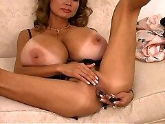 Minka and her monster melons
