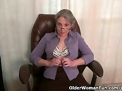 Old secretary Kelli peels off off and fingers her unshaved pussy