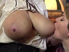 Marie & Kate deepthroating milky tits