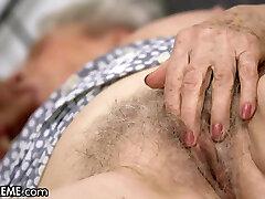 21sextreme å hjelpe bestemor neste dør