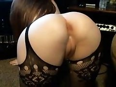 Pales babe bif round ass shaved cameltoe honeypot firm nipples