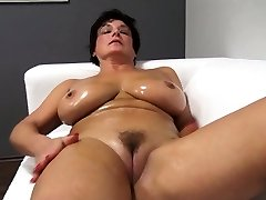 Adorable ma oils up and fucks Jane from dates25com