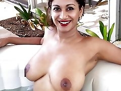 Hottest Indian Glamour Model with thick orbs