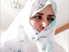 Lush Iranian Girl Dancing - Persian