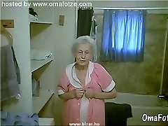 OmaFotzE Hairy Amateur Granny Pussies Macro Shots