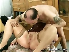Divorced Plus-size mother with big tits sucks part1