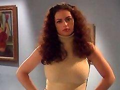 Kinda scary yet still amazingly arousing all-hole sex video