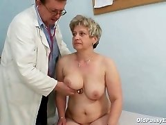 Mature fat pussy Ruzena gyno butt-plug bizzare health center exam
