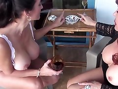 Cougars Adventure 1 (2 Smoking Hot Lesbian Milfs)