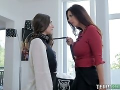 Arielle Faye is a subjugated piano student who deserves some scissoring