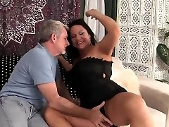 Hot grandma gets her pussy penetrated