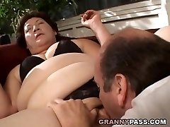 BBW Granny Gets Her Yam-sized Gash Stuffed