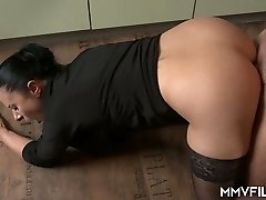 44 yo German housewife Bonny Devil is totally into sucking meaty fuckpole