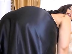Mistress Ezada, Slave Bounty (Recolored)