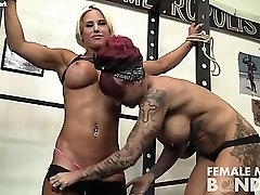 Dani and Brandimae Gal Dame in the Gym