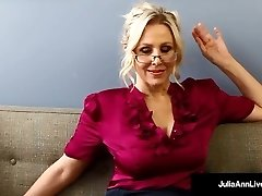 Bad Teacher Milf Julia Ann Shows You POV Ultra-kinky Pussy Rubs!