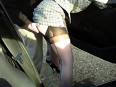 Sex tour fledgling getting a blowjob from hooker in stockings
