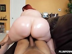 Monstrous Booty Ginger-haired PAWG MILF Marcy Diamond Shoots POV