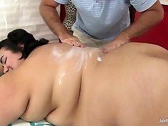 Fat ass Mia Riley dildo sex rubdown