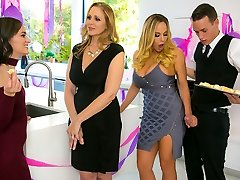 Julia Ann & Olivia Austin & Justin Hunt in My Stepmoms Social Club - BrazzersNetwork