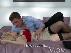 MOM Blondie dating single MOM just wants to perceive a large dick inwards