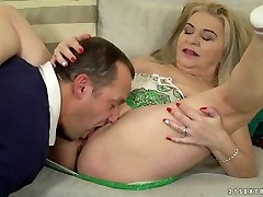 Chunky platinum-blonde haired filthy harlot Betsy B is so into working on stiff beef whistle