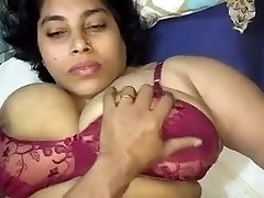 Indian Aunty Pulverize