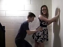 Teens fuck in the school