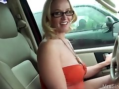 Wife Humps Stranger in Backseat