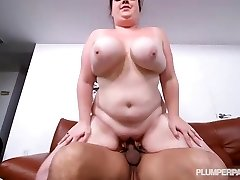 Huge-chested BBW Slut Trinety Guess