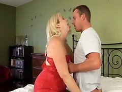 Plump Cougar Gets Screwed Every Which Way