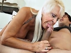 Red-hot GRANNIES SUCKING DICKS COMPILATION 4