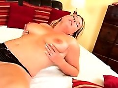 Large natural hooter mommy mastr Bettye from 1fuckdatecom