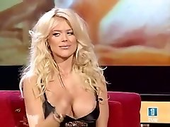 victoria silvstedt udders oops