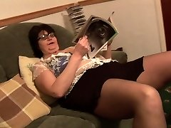 Mature BBW in short microskirt rips her ebony pantyhose